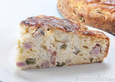 savory-cake-ham-cheese-28442898
